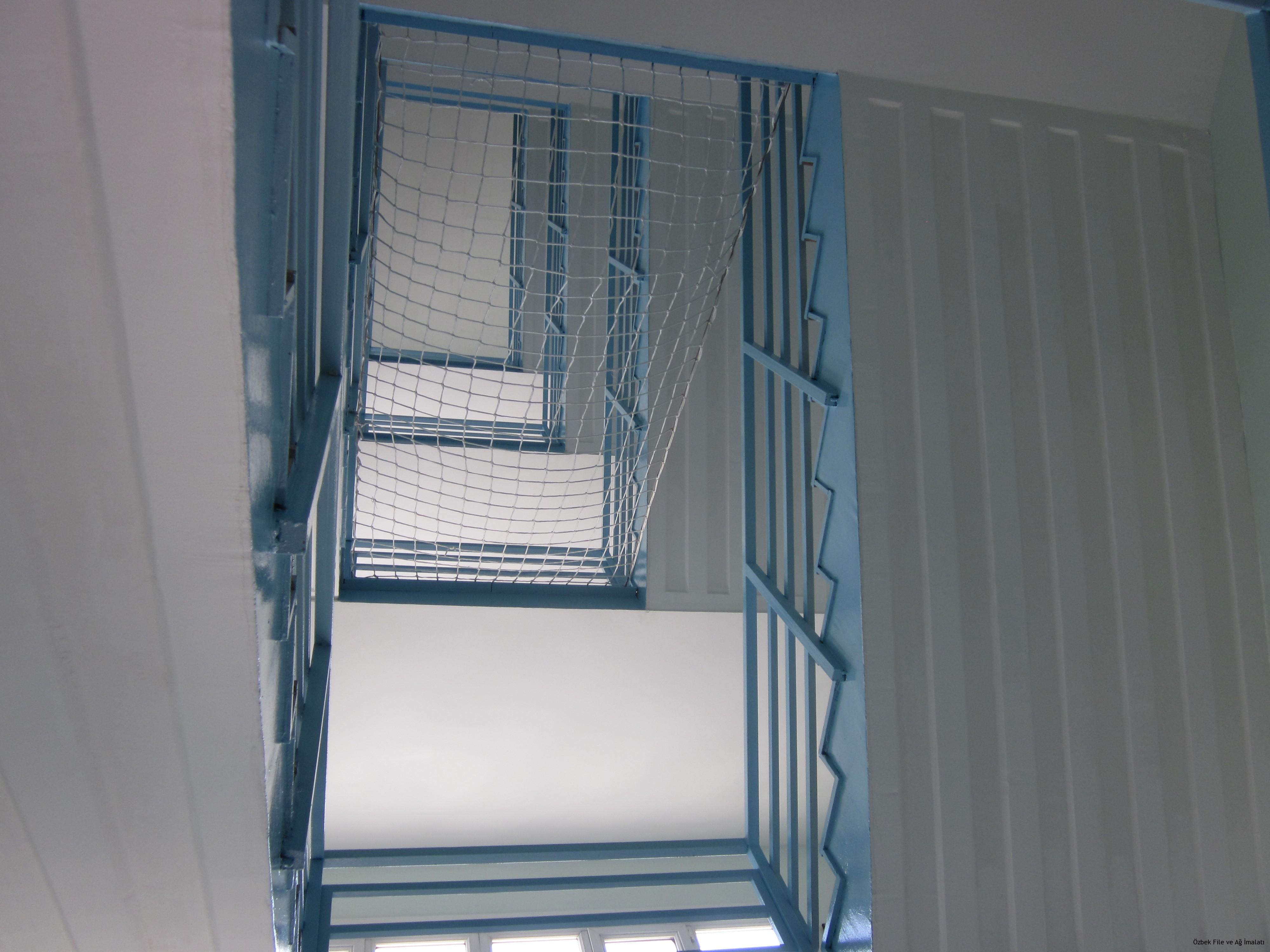 Inşaat merdiven boşluk emniyet filesi